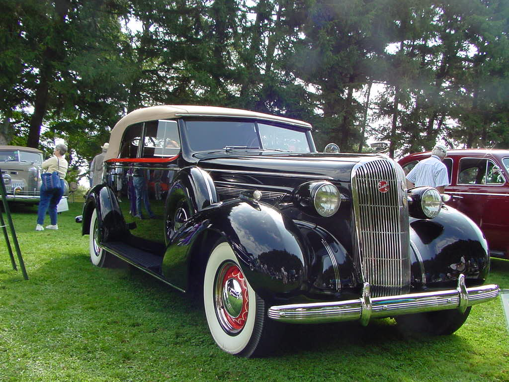http://www.oldcarbrochures.com/static/NA/Buick/1936_Buick/1936%20Buick.jpg
